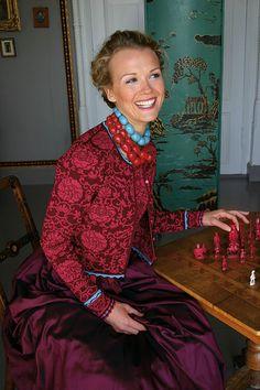 Oleana cardigan and silk skirt. Oleana cardigan and silk skirt. Norwegian Knitting, Textiles, Fair Isles, Fair Isle Knitting, Silk Skirt, Mode Outfits, Knitting Designs, Knitwear, Knitting Patterns
