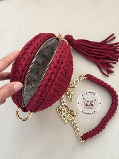 T Shirt Yarn Purses And Bags Sisal Macrame Crochet Ideas Knit Crochet Crochet Purses Strands Pocket Wallet Crochet Doily Rug, Free Crochet Bag, Crochet Crafts, Crochet Stitches, Crochet Projects, Knit Crochet, Double Crochet, Crochet Handbags, Crochet Purses