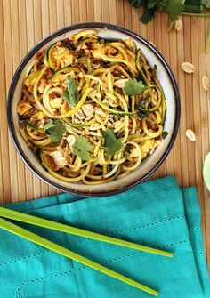 Vegetarian Zucchini Noodle Pad Thai - Inspiralized
