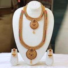 Handmade South IndianShort Long Bridal Haram Necklace Set India Jewelry, Jewelry Sets, Gold Jewelry, Women Jewelry, Jewellery Designs, Necklace Designs, Fashion Necklace, Fashion Jewelry, Necklace Set