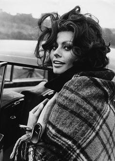 Sophia Loren looking all windswept
