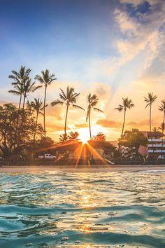 Foto natureza beautiful sunrise, beautiful landscapes e beautiful beaches. Beautiful Sunrise, Beautiful Beaches, Photo Trop Belle, Cool Pictures, Beautiful Pictures, Hawaii Pictures, Ocean Wallpaper, Tree Wallpaper, Paradise Wallpaper