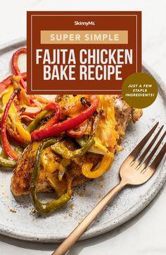 Simple and Delicious Fajita Chicken Bake Fajita Chicken Bake Recipe, Chicken Fajitas, Skinny Chicken Recipes, Skinny Recipes, Ww Recipes, Healthy Family Meals, Healthy Dinner Recipes, Healthy Menu, Simple Recipes