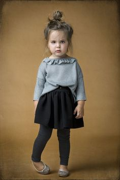 Labubé hand made in Spain, artesanía pura > Minimoda.es  LOVE THIS outfit and the little girls expression is priceless!