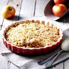 La versión inglesa del clásico postre a base de manzanas, canela, mantequilla y azúcar. Prepara un crumble de manzana con esta sencilla receta.