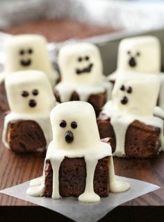Satisfy your sweet tooth with these spooktacular halloween desserts. From cookies and cakes to brownies and bark, there are over a hundred spooky dessert ideas to choose from! These halloween recipes are perfect for costume