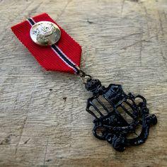 Military Red Ribbon Black Badge Custom Jewelry with safety pin Red Ribbon Black Badge for clothing decoration