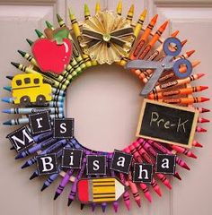 This is a crayon wreath I made for my girls PreK teacher. - School - This is a crayon wreath I made for my girls PreK teacher. I used two embroidery hoops size 6 inches - Kids Crafts, Craft Projects, Arts And Crafts, Easy Crafts, Craft Ideas, Teacher Wreaths, School Wreaths, Teacher Crayon Wreath, Diy Crayons