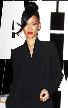 Rihanna's ever-changing hair: http://www.glamour.co.za/2012/02/16/beauty-body/beauty-hair-trends/rihanna-s-ever-changing-hair#