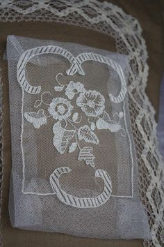 bordados en tul
