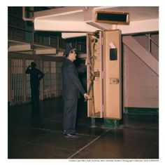 Alcatraz Correctional Officer locking the cell block doors, Abandoned Prisons, Prison Cell, Federal Prison, U.s. States, Fortification, Prisoner, Small Island, The Rock, Usa