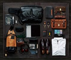 ' — Essentials Gentleman's Essentials Der Gentleman, Gentleman Style, Look Fashion, Mens Fashion, Mein Style, Mens Essentials, Travel Essentials, Mans World, Everyday Carry