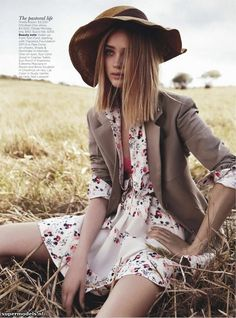 Rosie Tupper in 'Field Of Dreams' - Photographed by Nicole Bentley (Vogue Australia December 2012)    Complete shoot after the click...