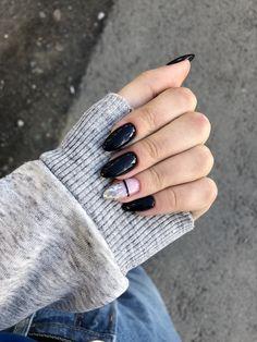Black and pink nail art Almond Acrylic Nails, Cute Acrylic Nails, Hair And Nails, My Nails, Matte Nails, Cute Nails For Fall, Chevron Nails, Pink Nail Art, Heart Nails