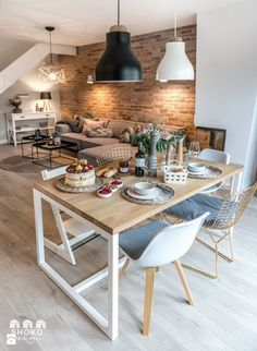 *** cold wood grey floor. Warm wood table