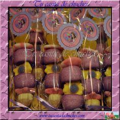 brocheta chuches violetta, personalizada, con una cuidada combinación de colores y gominolas seleccionadas. Sin gluten. reserva las tuyas en www.tucasitadechuches.com