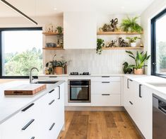 Exceptional modern kitchen room are readily available on our web pages. Have a look and you wont be sorry you did. Farmhouse Style Kitchen, Modern Farmhouse Kitchens, Home Kitchens, Kitchen Modern, Farmhouse Sinks, Family Kitchen, Dream Kitchens, Interior Design Kitchen, Kitchen Decor