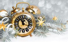 Download wallpapers New Year, old gold watch, 2018, midnight, Christmas tree, snow, winter, time