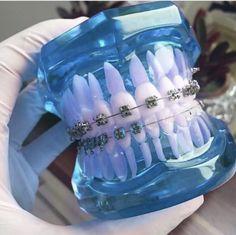 Dental Hygiene Student, Dental Humor, Dental Assistant, Dental World, Dental Life, Dental Wallpaper, Dentist Art, Meneses, Dental Aesthetics