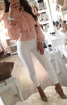#fall #outfits Pink Blouse + White Skinny Jeans + Grey Pumps