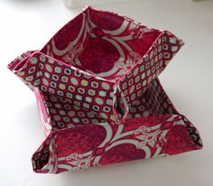"""Sew Mama Sew """"Happy Hostess Gift Box"""" tutorial to go with mug rug place small piece of velcor on the bottom and on mug rug and fill with a treat."""