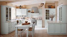 NEWPORT - Newport porta in cucina lo stile di un passato in cui la casa godeva di una dimensione di particolare vicinanza con la natura. http://www.venetacucine.com/ita/cucine/tradizione/newport.php