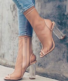 Casual Summer Shoes – Must Have Footwear Collection. The Best of high heels in - Amazing Stylish Shoes and Accessories - Amazing Stylish Shoes and Accessories Sock Ankle Boots, Heeled Boots, Shoe Boots, Dream Shoes, Crazy Shoes, Socks And Heels, Shoes Heels, Pumps, Stilettos