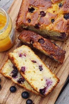 Sticky lemon curd blueberry cake - Scrummy Lane