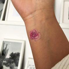 23 Mejores Imágenes De Tatuajes De Rosas En 2019 Rose Tattoos
