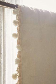 Rideau à pompon ivoire