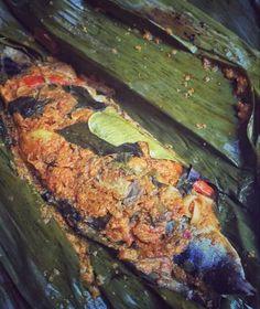 Pepes Ikan Tongkol Sauce Recipes, Chicken Recipes, Eggplant Recipes, Indonesian Food, Allrecipes, Seafood, Steak, Food And Drink, Menu