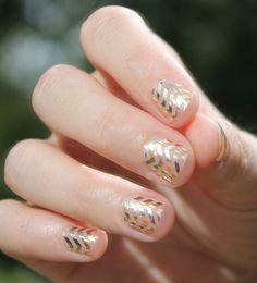Gold chevron nails ღ Chevron Nails, Gold Chevron, Aztec Nails, Nautical Nails, Spring Nail Art, Spring Nails, Summer Nails, Nail Art Designs, Transparent Nails