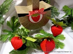 Strawberry Basket tutorial made our of cardstock.  (LOVE!!)