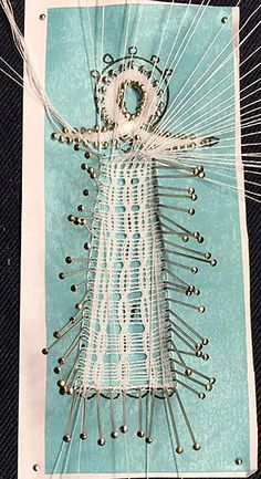 Engeltje in Milanese kant Homburg, Bobbin Lace Patterns, Angeles, Faces, Abstract, Ideas, Food Cakes, Bobbin Lace, Costura