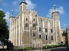 Au regard de sa longue et sanglante histoire, il n'est pas surprenant que chaque parcelle de la Tour de Londres soit l'objet des mythes les plus lugubres.