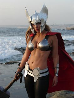 Lady Thor Cosplay http://geekxgirls.com/article.php?ID=259