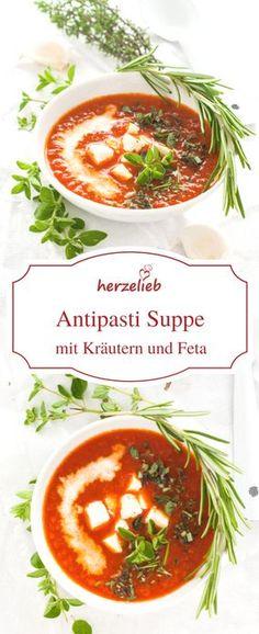 Suppen Rezepte: Tolle Antipasti Suppe mit geröstetem Paprika , Feta und Kräutern. Einfaches Rezept von herzelieb