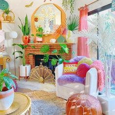 Colourful Home Vibe (@colourfulhomevibe) • Instagram photos and videos Room Ideas Bedroom, Aesthetic Bedroom, Eclectic Decor, My New Room, Home Decor Items, Apartment Living, House Colors, Room Inspiration, Decoration