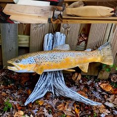 Brown trout wood carving I recently completed with some (very wet) Fall leaves. Fish Sculpture, Sculptures, Fish Wood Carving, Fish Mounts, Brown Trout, Salmon Fishing, Rainbow Trout, Outdoor Survival, Woodworking Crafts