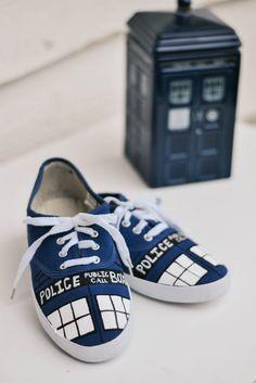 PS : ♡: diy: TARDIS shoes
