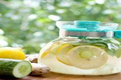 Az egyik legjobb zsírégető ital, fillérekből Sassy Water, 3 Pounds, Kili, Fitness Diet, Cucumber, Detox, Food And Drink, Make It Yourself, Fruit