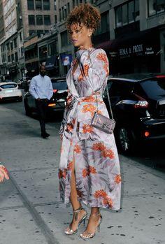 Rihanna attends a friends wedding in NYC Aug 29 Mode Rihanna, Rihanna Style, Rihanna Fashion, Classy Outfits, Chic Outfits, Fashion Outfits, Womens Fashion, Mode Kimono, Rihanna Looks