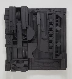 Louise Nevelson is undoubtedly one of the titans of modern sculpture, but I always found her best-known works to be a bit staid. Grids of interlocking boxes populated with all manner of geometric. Modern Sculpture, Sculpture Art, Louise Nevelson, Plastic Art, Ceramics Projects, Find Objects, Assemblage Art, Recycled Art, Installation Art