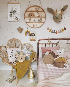 With over 400 Childrens Wallpaper designs. Just Kids Wallpaper is the leader in stylish kids wallpaper for girls rooms, boys room and beautiful Nursery Wallpapers. Woodland Nursery Boy, Girl Nursery, Girl Room, Child Room, Nursery Themes, Nursery Decor, Room Decor, Boho Chic, Rattan Headboard