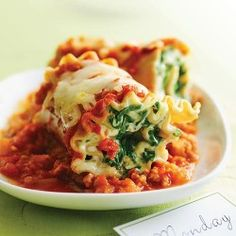 Pasta Roll-ups with Turkey and Spinach. 234 calories per pasta roll. Spinach Recipes, Pasta Recipes, Cooking Recipes, Healthy Recipes, Lasagna Recipes, Yummy Recipes, Dinner Recipes, Clean Eating Recipes, Healthy Eating