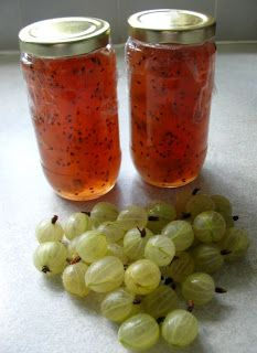 """GOOSEBERRY JAM! """"You can use green gooseberries, red gooseberries or a mixture of the two, depending on taste and availability. Green gooseberries produce a bronze-coloured jam, and a fifty-fifty mix of green and red gooseberries produces jam of a delicate pink colour. As far as I can tell there's no difference in the flavour"""" (carlanayland.blogspot.it)"""
