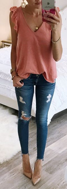 Pink Ruffle Tank + Ripped Skinny Jeans + Nude Pumps cute outfits for girls 2017 Mode Outfits, Jean Outfits, Fashion Outfits, Night Outfits, School Outfits, Stylish Summer Outfits, Casual Outfits, Women's Casual, Spring Outfits Women
