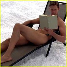 Alexander Skarsgard: Full Frontal Naked on 'True Blood' Finale (Video) Smokin' hawt! hehe