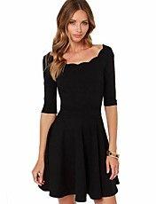 rotondo collare nero delle donne misura una linea di abiti