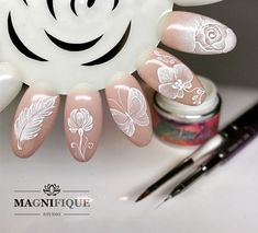 Here is a tutorial for an interesting Christmas nail art Silver glitter on a white background – a very elegant idea to welcome Christmas with style Decoration in a light garland for your Christmas nails Materials and tools needed: base… Continue Reading → Nail Art Paint, Gel Nail Art, Acrylic Nails, Glitter Gel Nails, My Nails, Nail Art Modele, Nailart, Gel Nails French, Indigo Nails